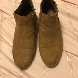10W Brown Booties
